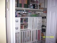 Close_up_of_closet_storage_3